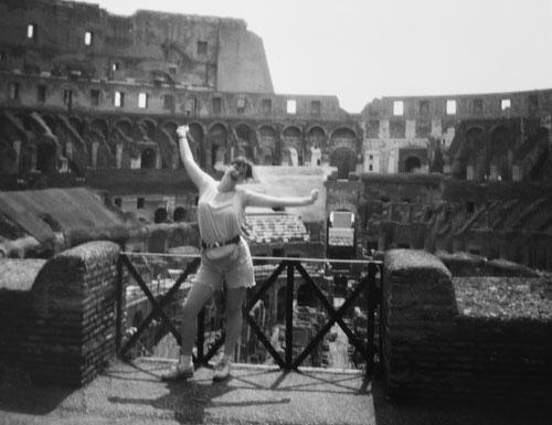 Jag fånar mig i Colosseum i Rom