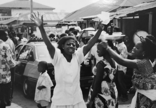 Lycklig liberal väljare i Ghana