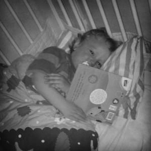 Hugo med bok