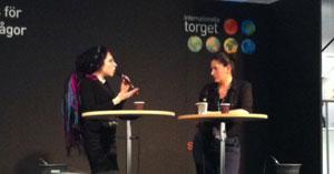Sofi Oksanen pratar om estnisk identitet på Bokmässan