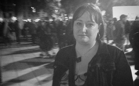 Jag gråter på demonstration för abort i Barcelona