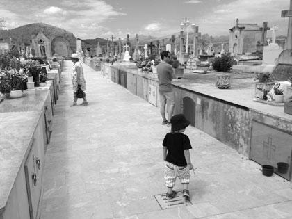 Kyrkogård på väg till gamla Alcudia
