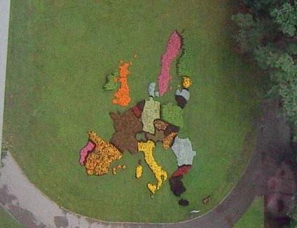 EU:s medlemsstater i form av en blomrabatt i Riga 2009