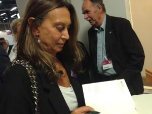 Nuria Amat signerar Det lilla landet