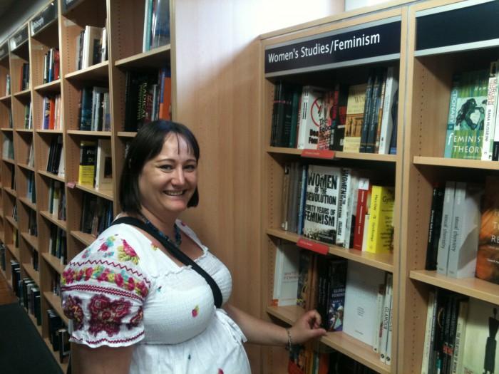 Feministisk litteratur på Foyles i London