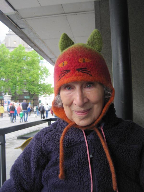 Margaret Atwood i katthatt