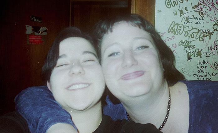 Julia och jag på nån bar 1999