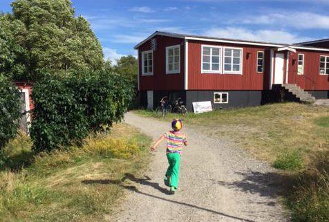 Hugo vid Fågelstationen på Landsort