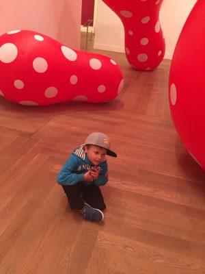 Hugo och Yayoi Kusamas prickiga ballonger