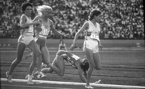 Zola Budd och Mary Decker på finalen 3000 m i OS 1984