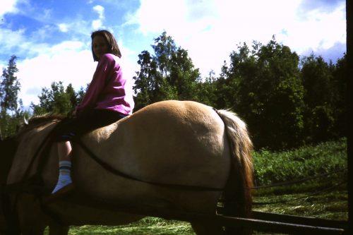 Jag på en häst sommaren 87