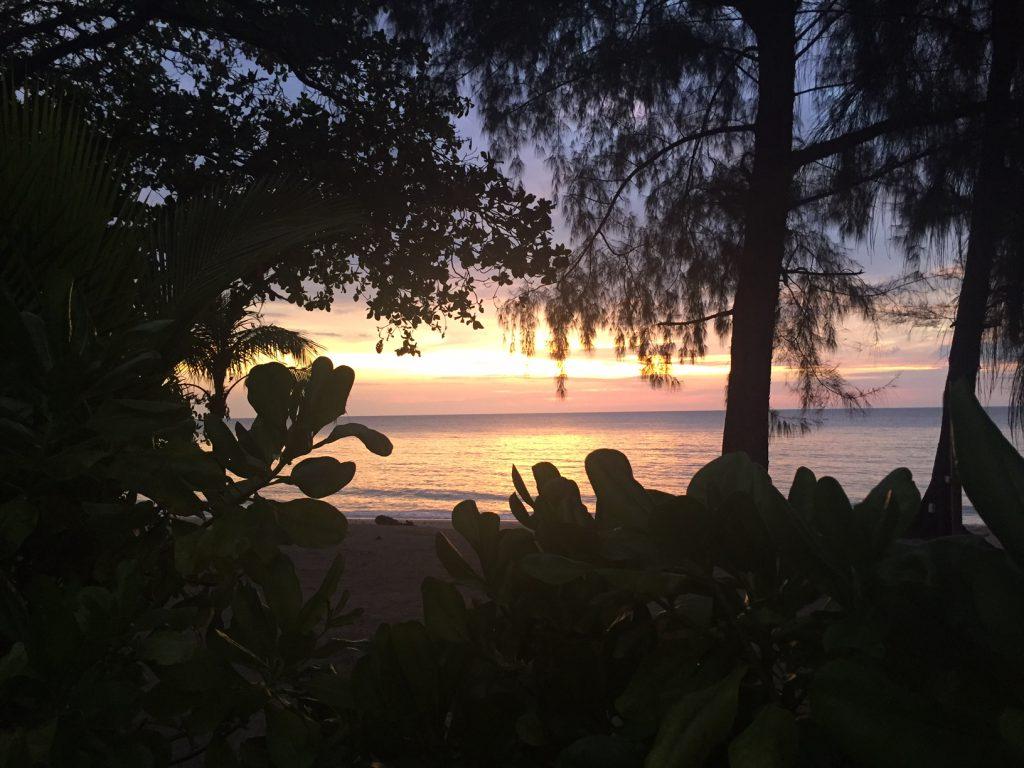 Solnedgång över Khao Lak