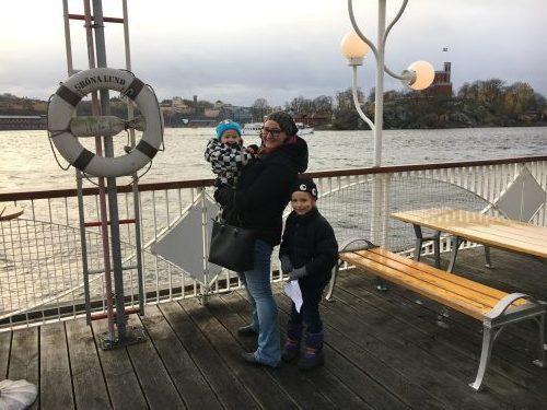 Jag med mina barn på Gröna Lund. Oktober 2017.