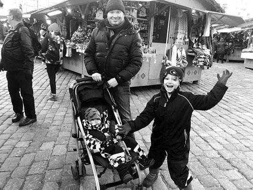 Min familj på Rådhusplatsen i Tallinn