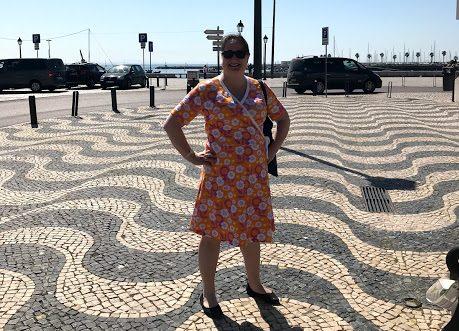 I Cascais med feministklänning