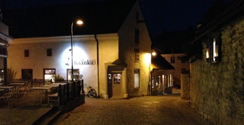 Kränku i Visby en sen natt