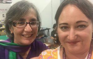 Selfie med Helen Pankhurst på bokmässan 2019