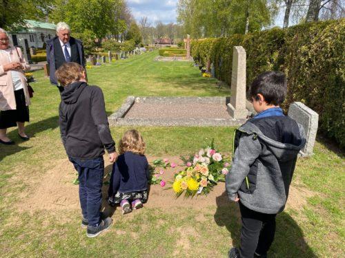 Barnen och graven i Hjo