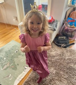 Selma fyller fyra år