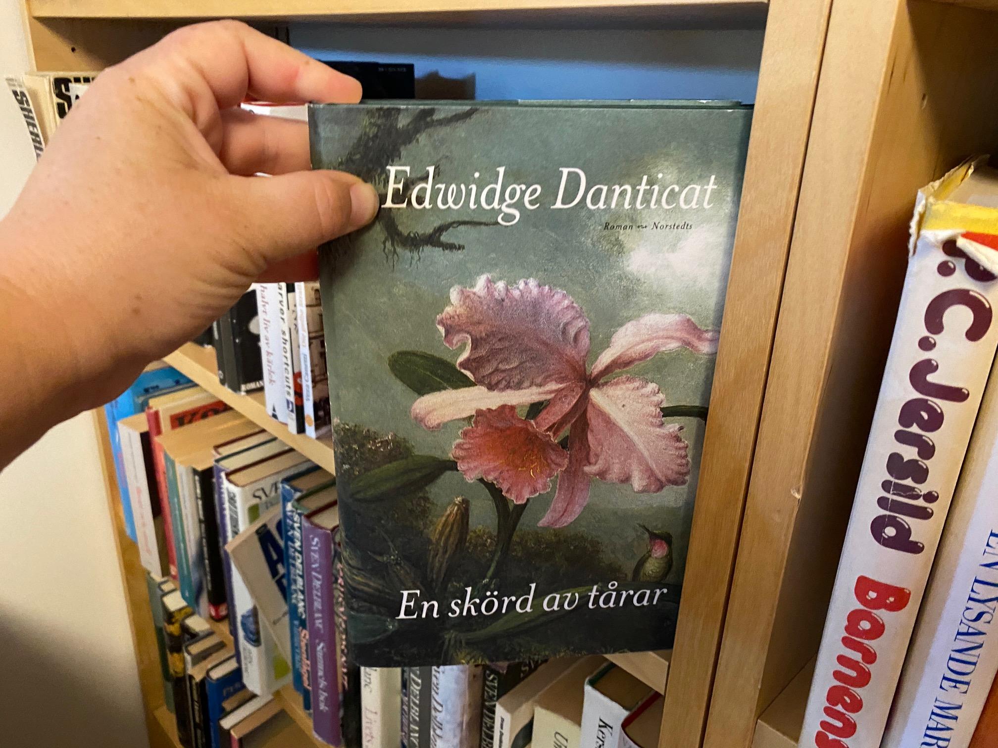 Edwidge Danticat i min bokhylla