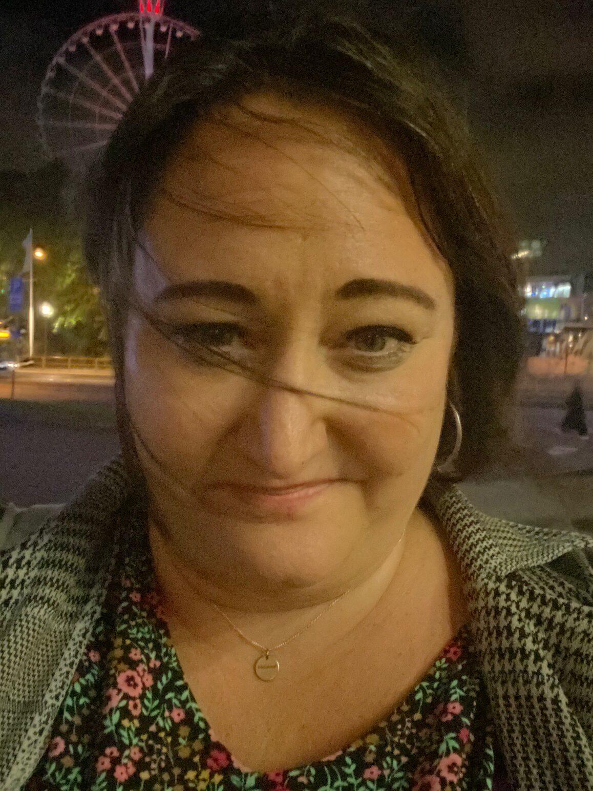 Selfie utanför Svenska mässan
