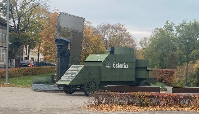 Johan Pitka-monument i Tallinn